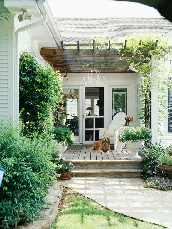 Marvelous monday small backyards em for marvelous for Side entrance porch designs