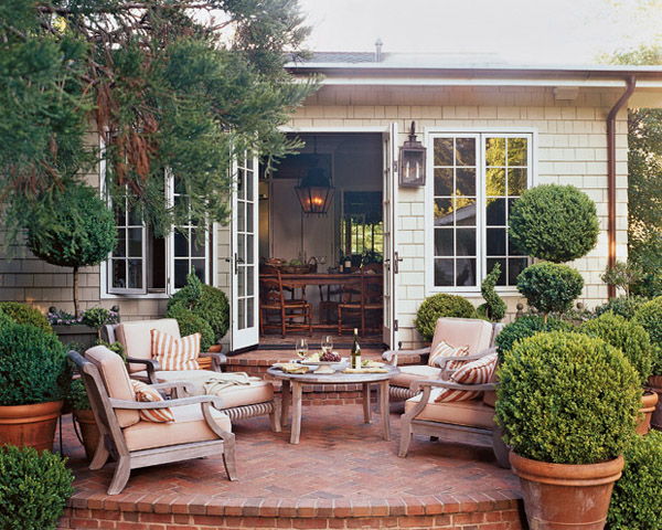Marvelous monday small backyards em for marvelous for Cost of outdoor living space
