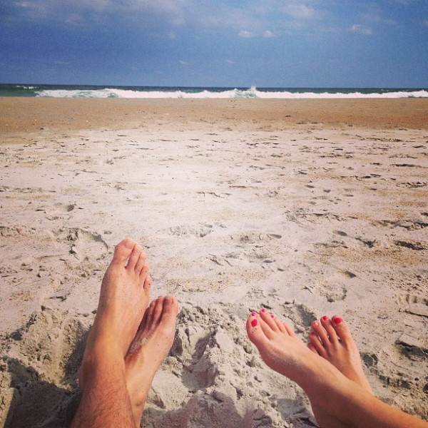 feet-at-the-beach