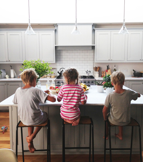 kids-in-kitchen