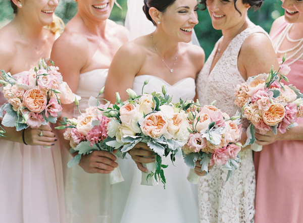pink-and-peach-bouquets