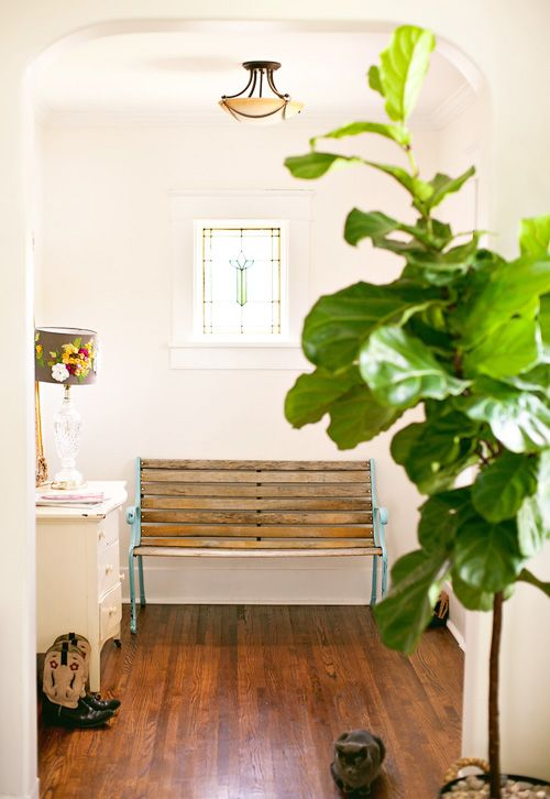 wooden-bench-in-entryway