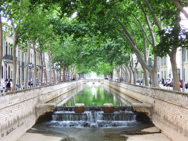 nimes-town-square